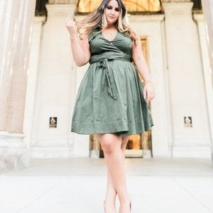 White house   Black market wrap up dress